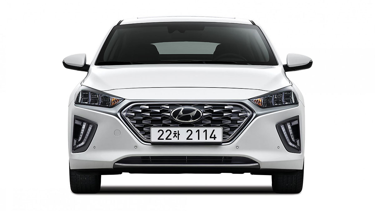 topgear hyundai 39 s made the ioniq hybrid even cleverer. Black Bedroom Furniture Sets. Home Design Ideas