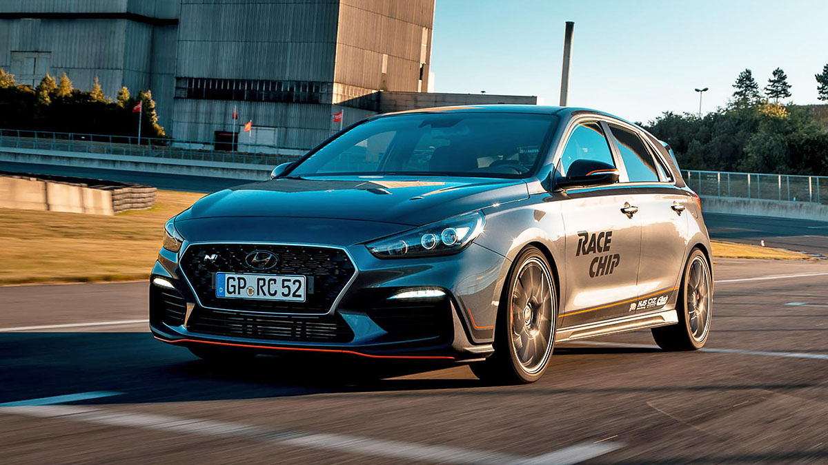 topgear this is a hyundai i30n with type r levels of power. Black Bedroom Furniture Sets. Home Design Ideas