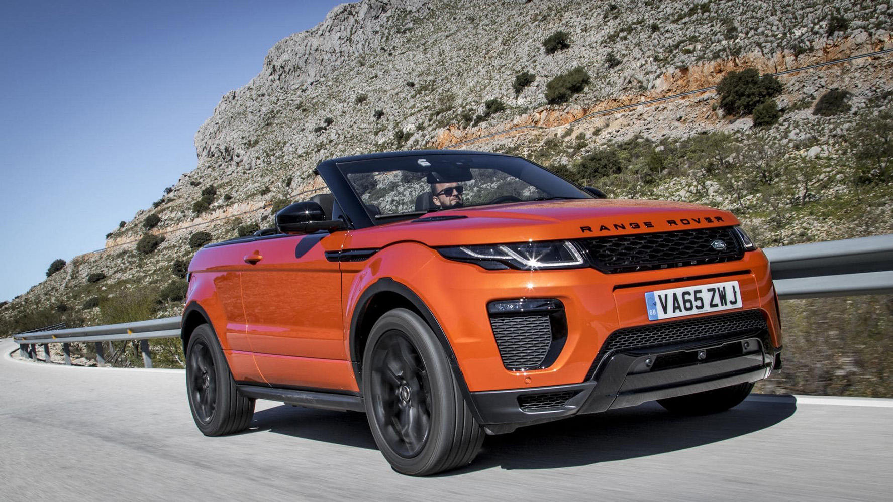 topgear first drive the range rover evoque convertible. Black Bedroom Furniture Sets. Home Design Ideas